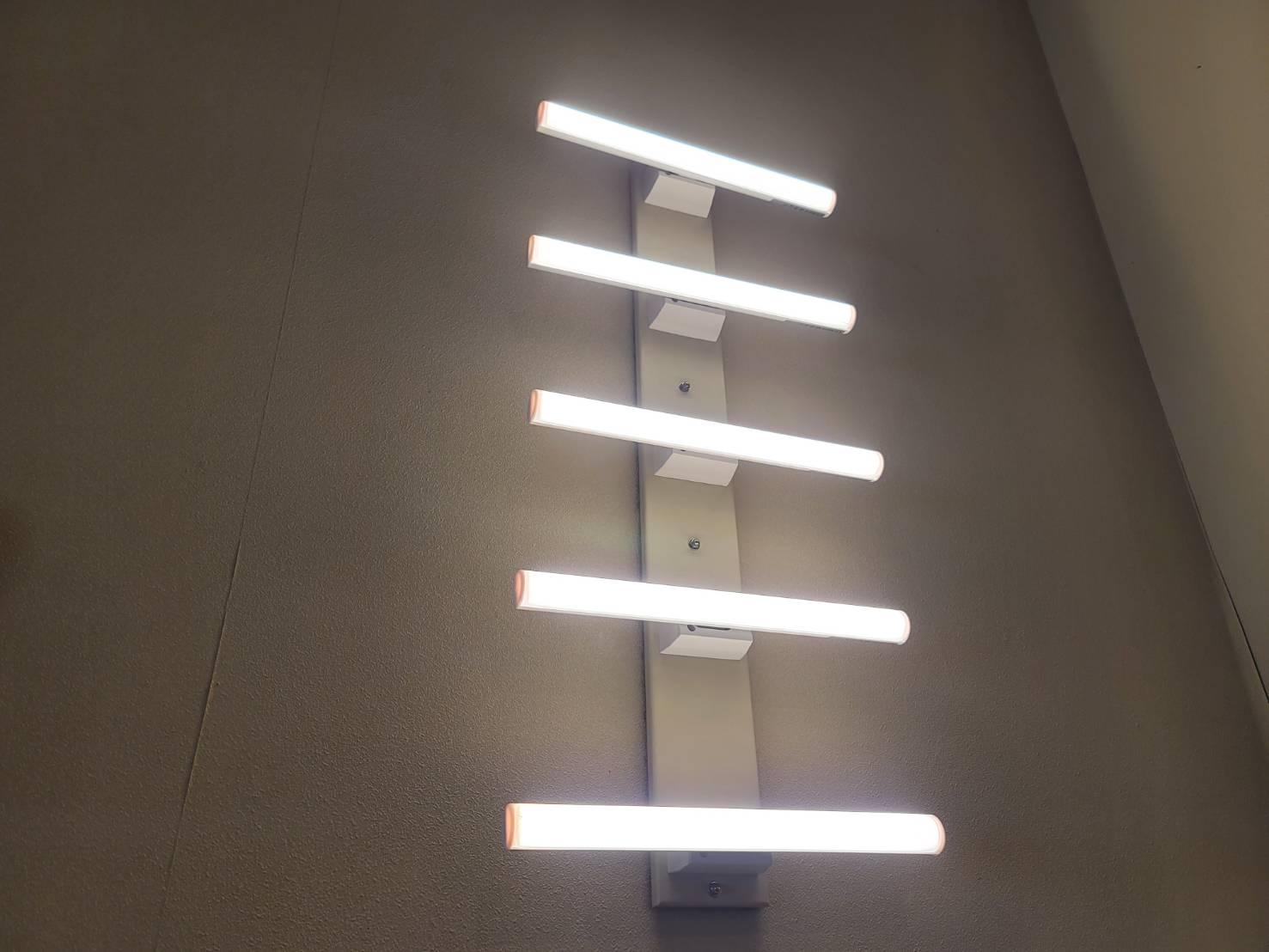 LEDリネストラランプ点灯状況